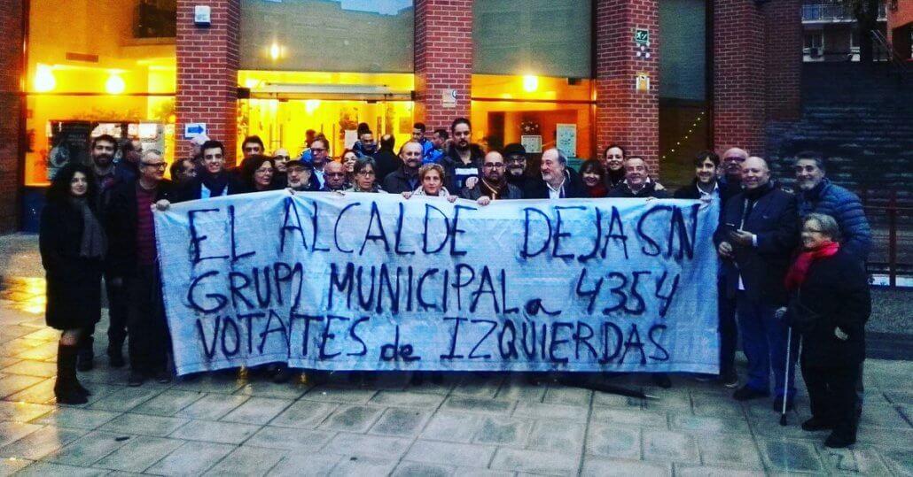 Compañeros/as de La Izquierda en el Pleno de #Coslada apoyando a IUCM - LV Coslada ante la cacicada que pretende cometer el Alcalde del PSOE